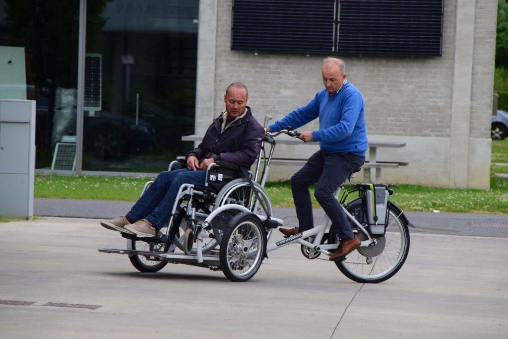 Elektrische rolstoelfiets